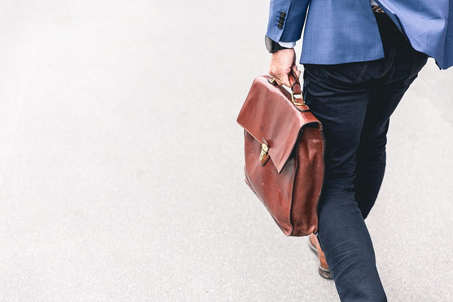 Jak znaleźć pracę i oszczędzić czas dzięki Jobsora? Artykuł partnera